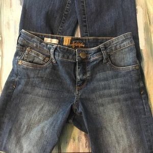 Kut from the Kloth Felicia baby bootcut jean. Sz 4